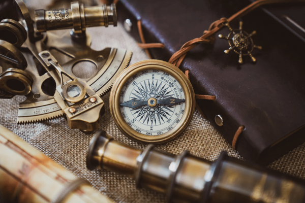 How to Use a Compass — 8 Essential Tips  to Never Get Lost