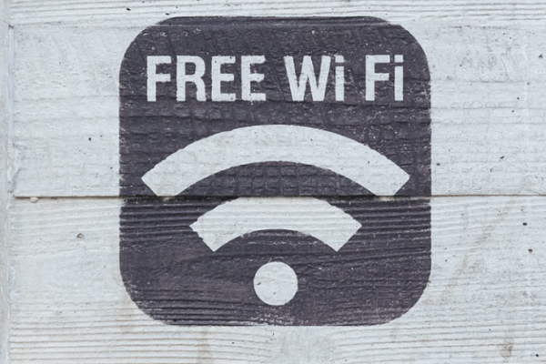 9 Ways to Get WiFi When Camping